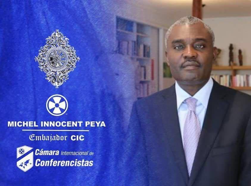 L'écrivain congolais Docteur Michel Innocent PEYA récompensé [Vidéo]