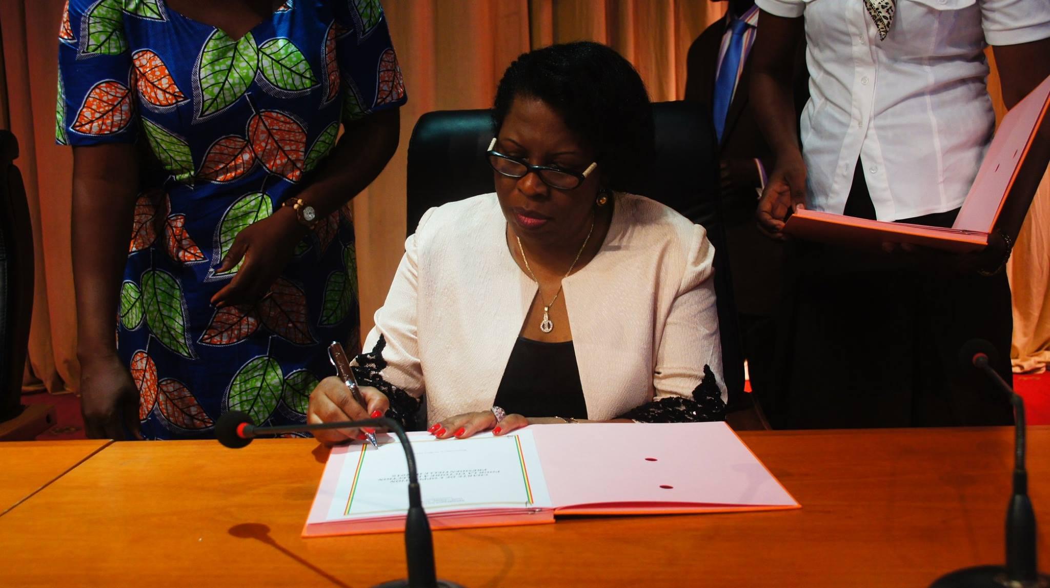 Honorable Claudine Munari : Sur la levée de l'immunité parlementaire du député André Okombi Salissa