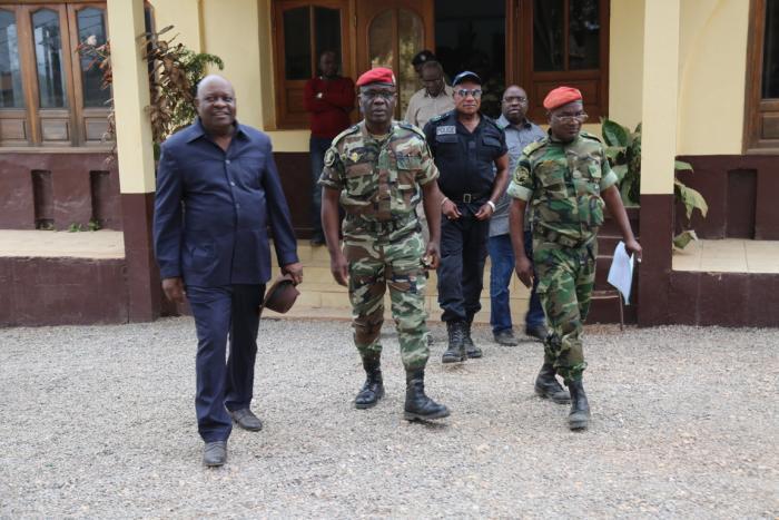 Guerre du Pool : Le faux démenti du Chef d'État-major bricolé par les officines de Mpila
