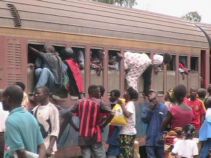 Les conséquences économiques après l'arrêt des activités du CFCO (Chemin de Fer Congo Océan)