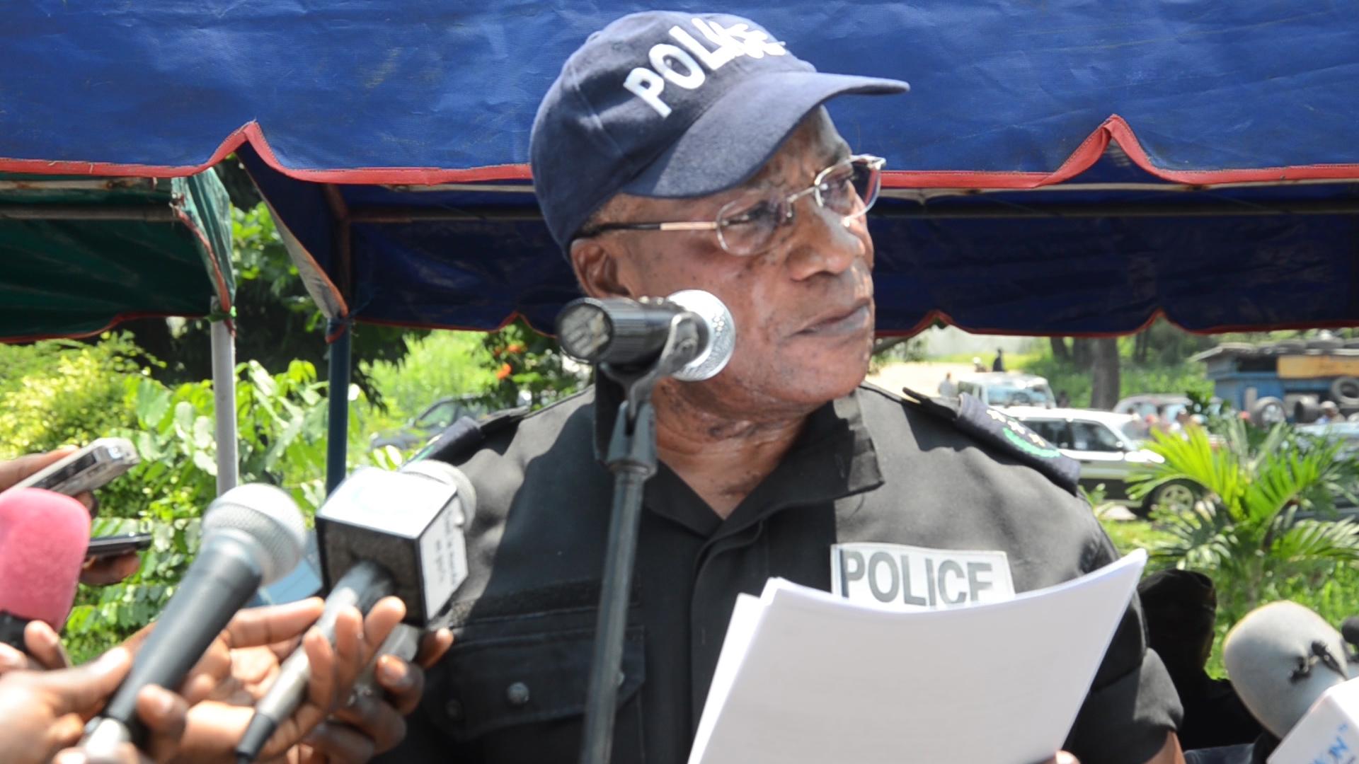 Le Directeur Général de la Police Jean François Ndenguet menace de tuer un syndicaliste [Vidéo]