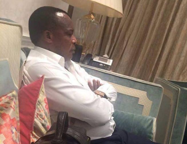 Devinette : Sa valise est déjà prête, qu'est ce qu'il attend pour partir du pouvoir ?