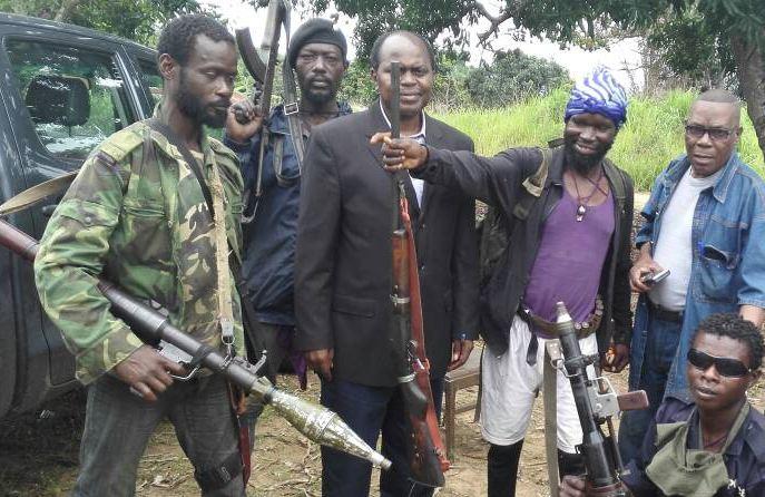 Joachim Mbandza, ancien directeur du journal la semaine, en mission pour négocier la sortie des Ninjas