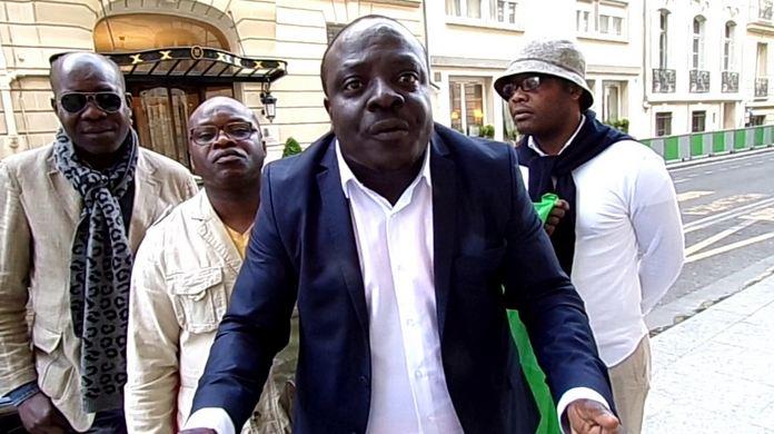 Les indignés du 242 ont failli perturber la réunion de l'UDH-YUKI en France