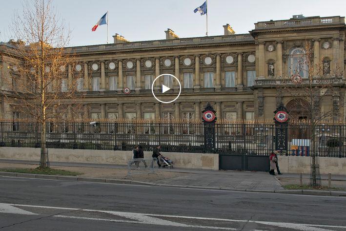 Paris (Quai d'Orsay) – Conférence sur le climat : l'Ecrivain Congolais Michel Innocent PEYA vend le fonds bleu et la vision verte de Denis Sassou Nguesso