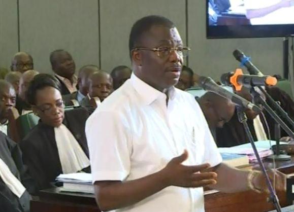Procès du coup d'État foireux : Face à face Général Dabira contre Général Nianga Mbouala [Vidéo]