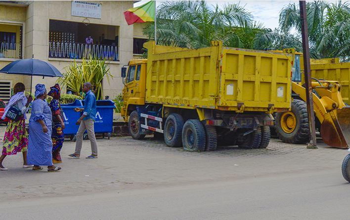 Les gros véhicules qui ne servent que de décor aux mairies