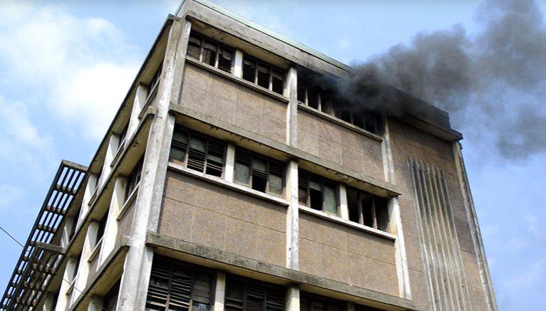 Un fou met feu au lycée Savorgan de Brazza