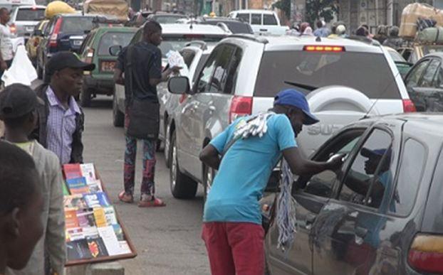 Commerce informel : la vente à la sauvette gagne les quartiers de Brazzaville