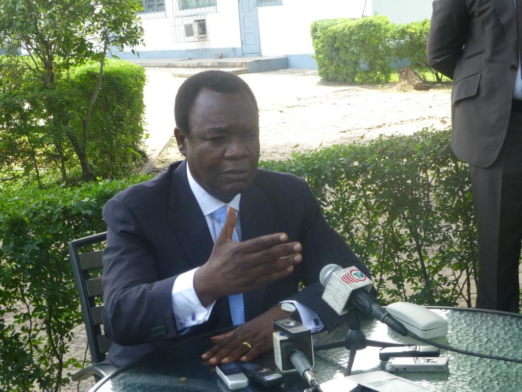 Consommation immodérée d'alcool : Le ministre du commerce Claude Alphonse Nsilou tape du poing sur la table