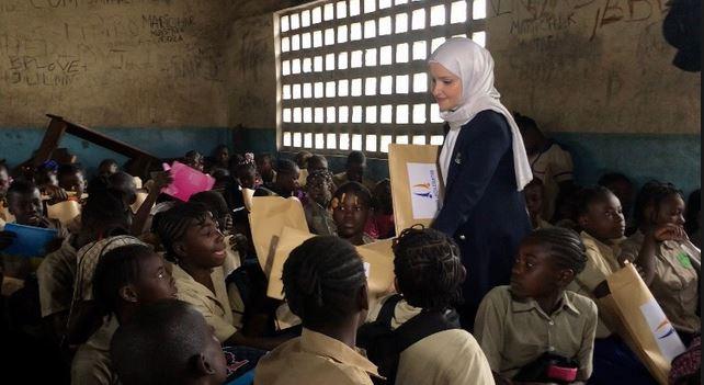 Œuvres sociales : la Fondation Burotop Iris apporte son soutien aux écoliers