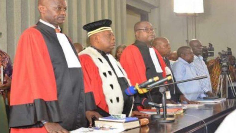 Trois avocats, un huissier et un magistrat devant la barre pour détournement de fonds