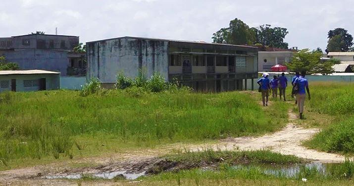 Un collège technique en piteux état à Pointe-Noire