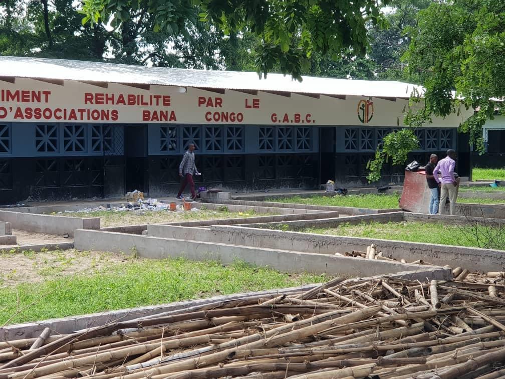 Le Groupement des Associations Bana Congo au chevet du lycée Chaminade