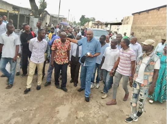 Paulin Makaya rencontre les citoyens de Bacongo