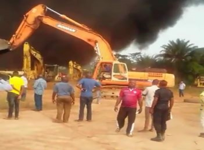 Un garage ravagé par un incendie à Owando