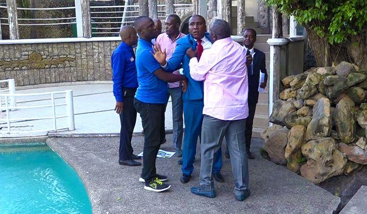 Plainte déposée pour coups et blessures contre l'ancien ministre Elvis Okombi Tsalissan (Vidéo)