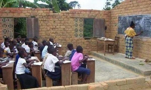 A l'attention de M. Clément Mouamba, des élèves et étudiants du Congo