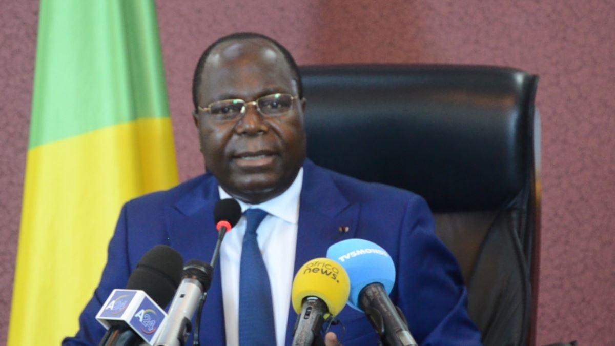 Communiqué du n°4 du gouvernement lu par M. Clément Mouamba