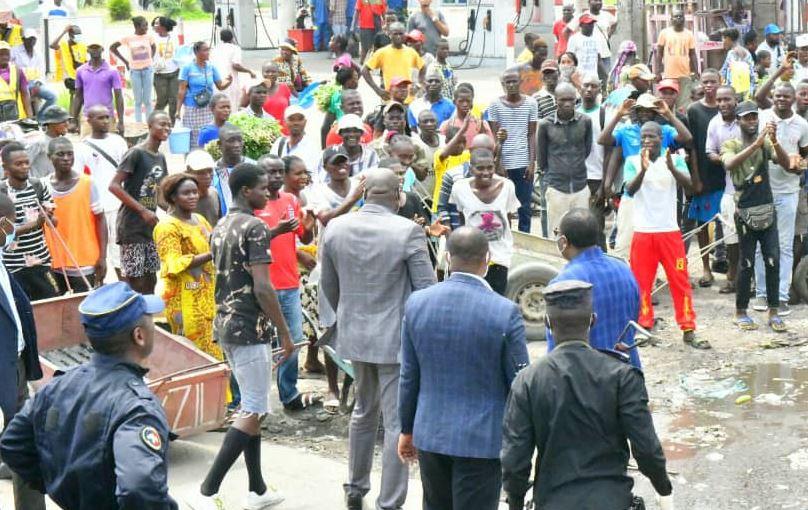 Coronavirus : Descente du Premier Ministre Clément Mouamba au marché plateau
