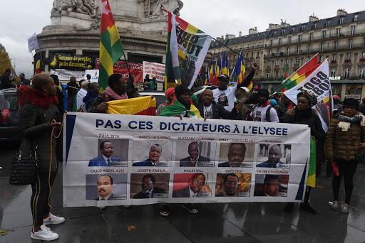 Les fossiles politiques cramponnés à la tête  des Etats africains entravent la démocratie